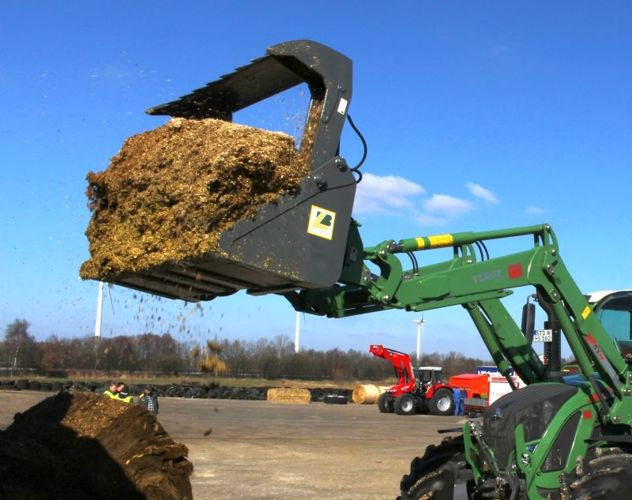 Picking up maize silage