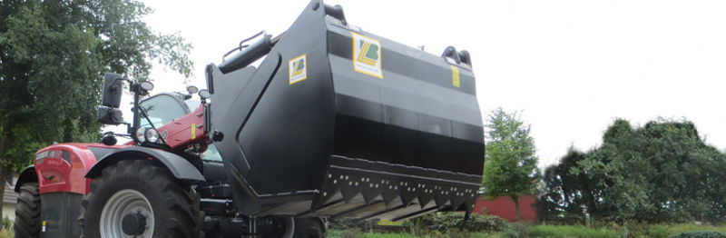 S40 SILAGE CUTTER WITH BUCKET S XL